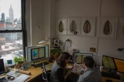 Esther Pinto y Alberto Fernandez trabajando en la aplicación.