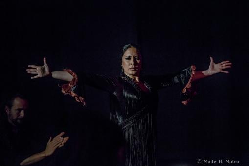 Sonia en el Centro Español de Queens durante una de sus actuaciones junto a La Farruca.